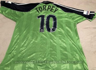 Scunthorpe United Away baju bolasepak 2001 - 2003