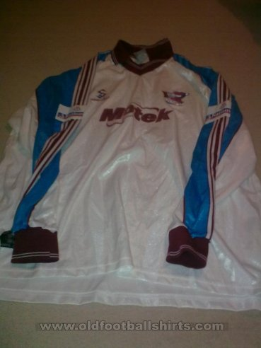 Scunthorpe United Home football shirt 2000 - 2001