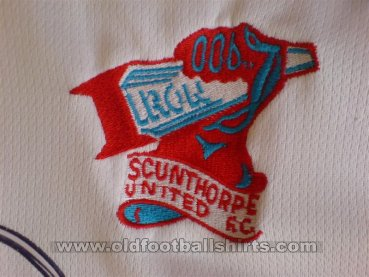 Scunthorpe United Home football shirt 2001 - 2003