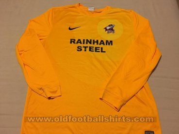 Scunthorpe United Goalkeeper football shirt 2013 - 2014