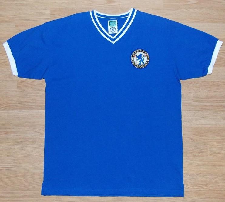 d3dde318e Chelsea Retro Replicas camisa de futebol 1960 - 1961. Sponsored by ...