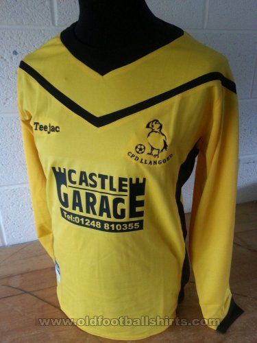 Llangoed FC Home football shirt 2015 - 2017