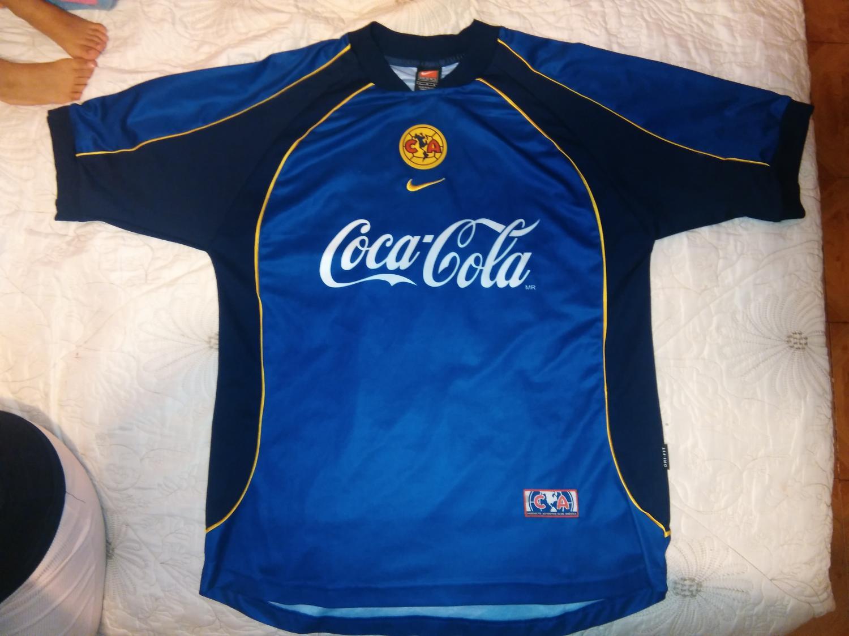 Club America Goalkeeper football shirt 2001 - 2002.
