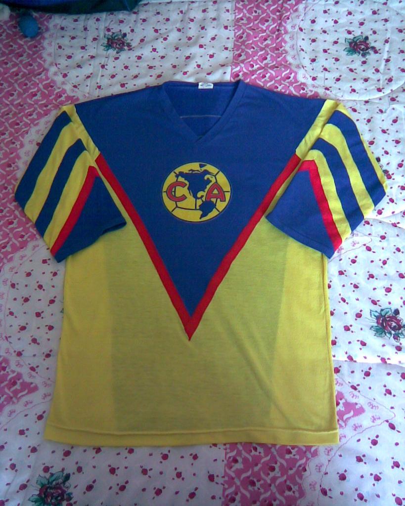 22c16eebd18 Club America Home maglia di calcio 1981 - 1982.