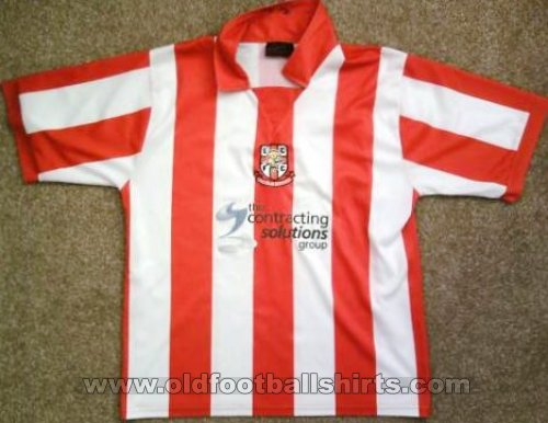 Lincoln City Home football shirt 2004 - 2006