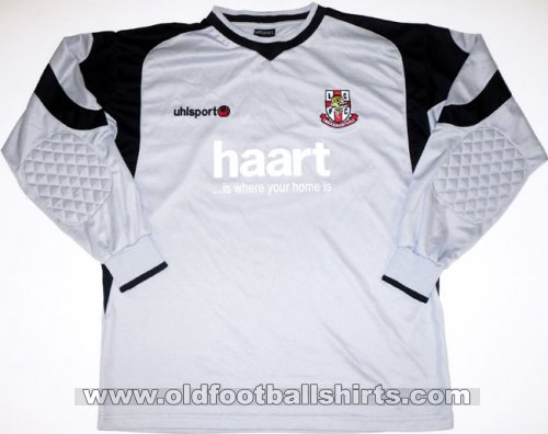 Lincoln City Goalkeeper football shirt 2006 - 2007