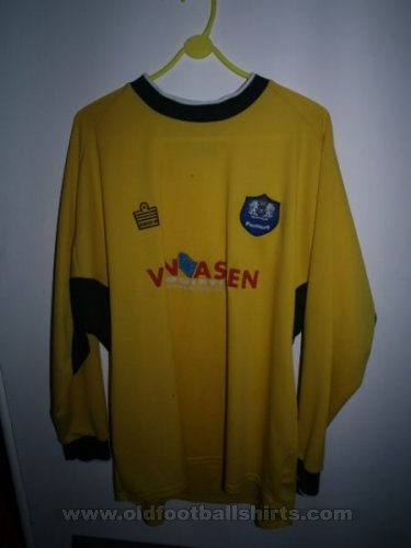 Peterborough United Goalkeeper football shirt 2003 - 2004