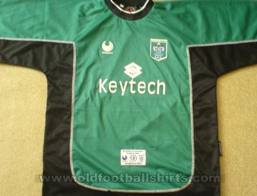 Rochdale Goalkeeper football shirt 2002 - 2004