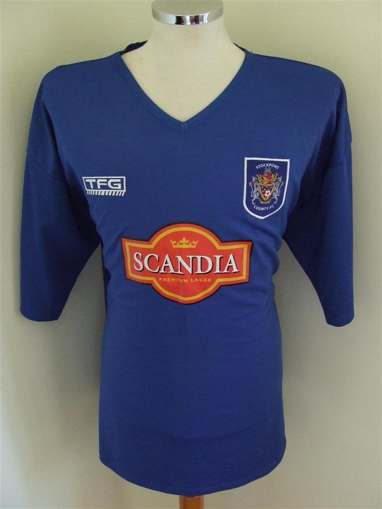 Stockport County Home football shirt 2004 - 2006. Added on ...