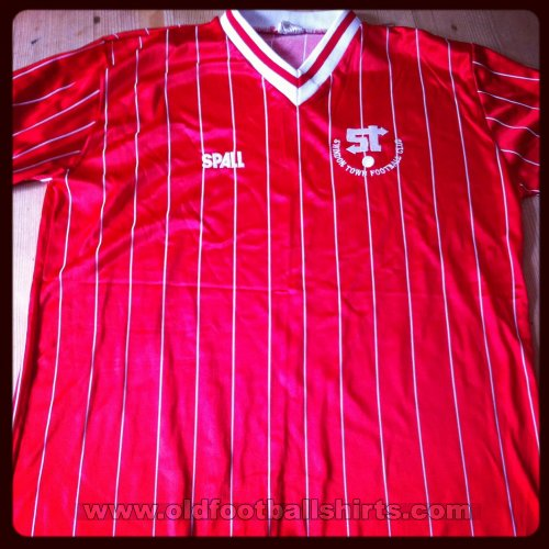 Swindon Town Home baju bolasepak 1981 - 1983
