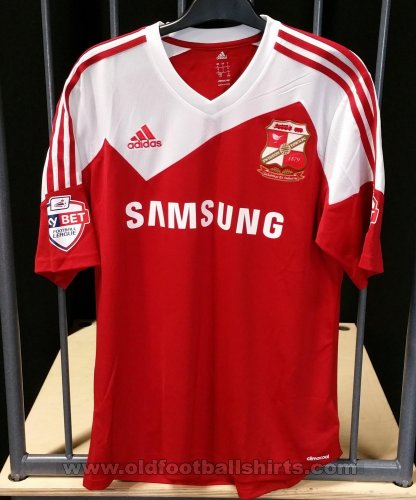 Swindon Town Home baju bolasepak 2013 - 2014