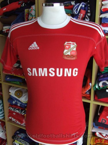 Swindon Town Home baju bolasepak 2011 - 2012