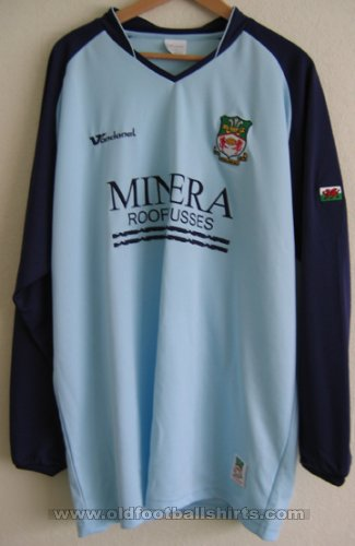 Wrexham Away football shirt 2005 - 2006