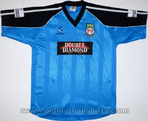 Wrexham Away football shirt 2000 - 2001