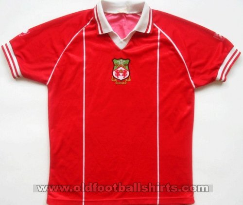 Wrexham Local Camiseta de Fútbol 1981 - 1984