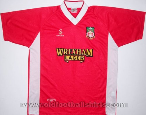 Wrexham Home football shirt 2001 - 2002