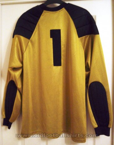 Aldershot Goalkeeper football shirt 2001 - 2002