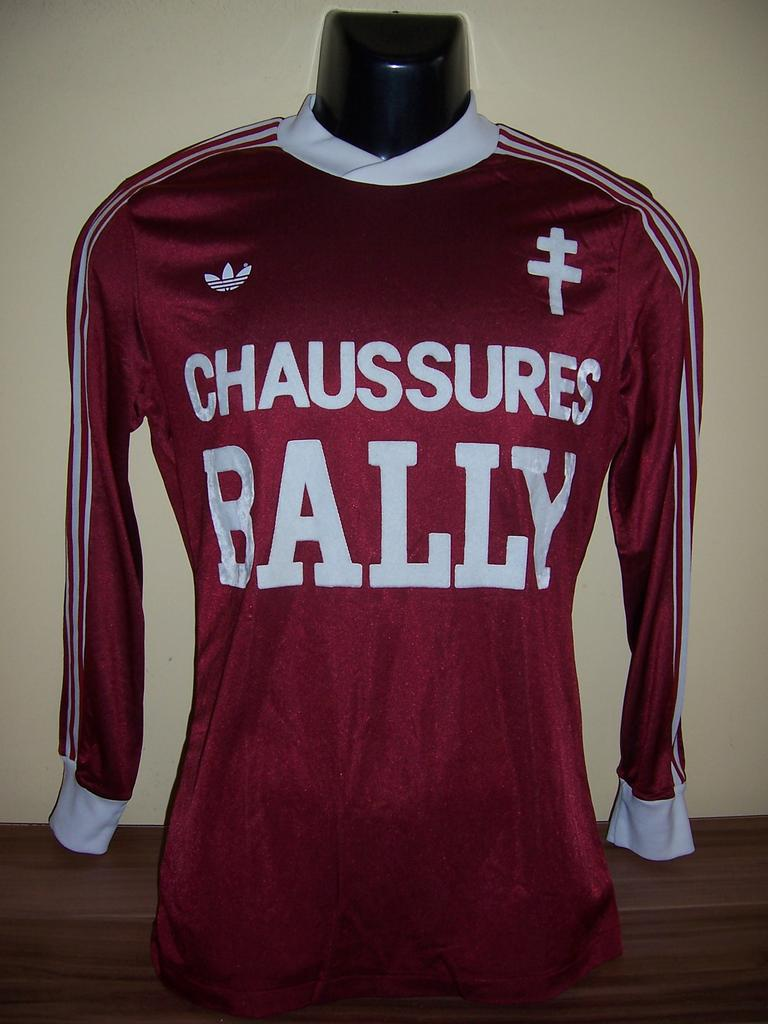 fc metz home maillot de foot 1980 1981. Black Bedroom Furniture Sets. Home Design Ideas