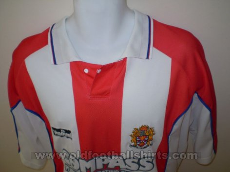 Dagenham & Redbridge Home football shirt 2001 - 2003